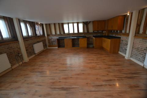 2 bedroom barn conversion to rent - Church Road, Tostock
