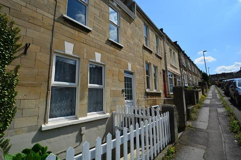 4 bedroom terraced house to rent - Oldfield Park