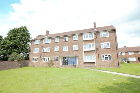 3 bedroom flat to rent - Langford Road, Cockfosters, EN4
