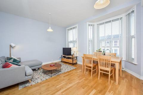 2 bedroom flat to rent - Ryecroft Road, London SE13