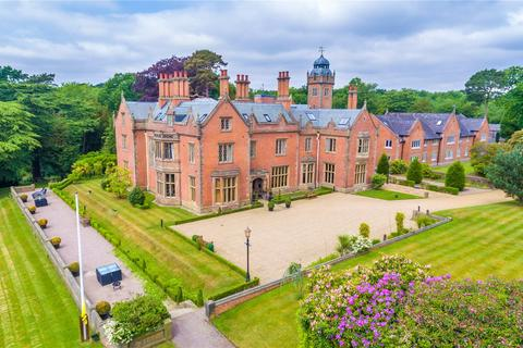 3 bedroom flat for sale - Norcliffe Hall, Altrincham Road, Wilmslow, Cheshire, SK9