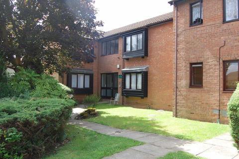 Studio to rent - Astra Court, Round Green, Luton
