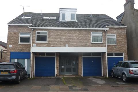 2 bedroom maisonette to rent - Heene Road, Enfield