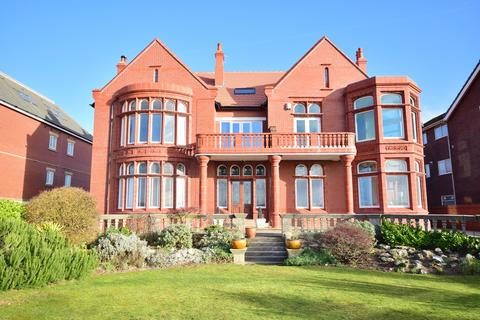 3 bedroom apartment for sale - 54 North Promenade, Lytham St Annes, FY8
