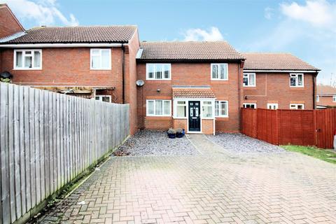 3 bedroom house for sale - Roxwell Path, Aylesbury