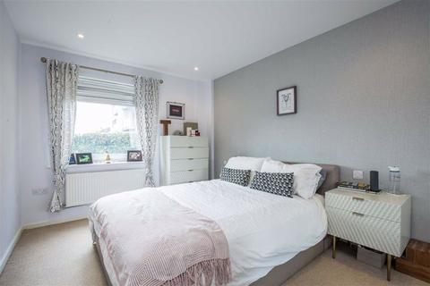 1 bedroom flat for sale - Peacock Close, Mill Hill, London, NW7