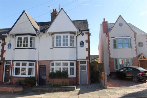3 bedroom end of terrace house for sale - Dovedale Road, Stoneygate, Leicester