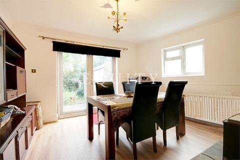 3 bedroom detached house to rent - Park Road, ENFIELD, EN3
