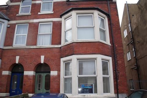 1 bedroom ground floor flat to rent - St. Andrews Road South, St. Annes-on-Sea, FY8