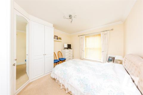 1 bedroom apartment for sale - Pell Court, 165-171 Hornchurch Road, Hornchurch, RM12