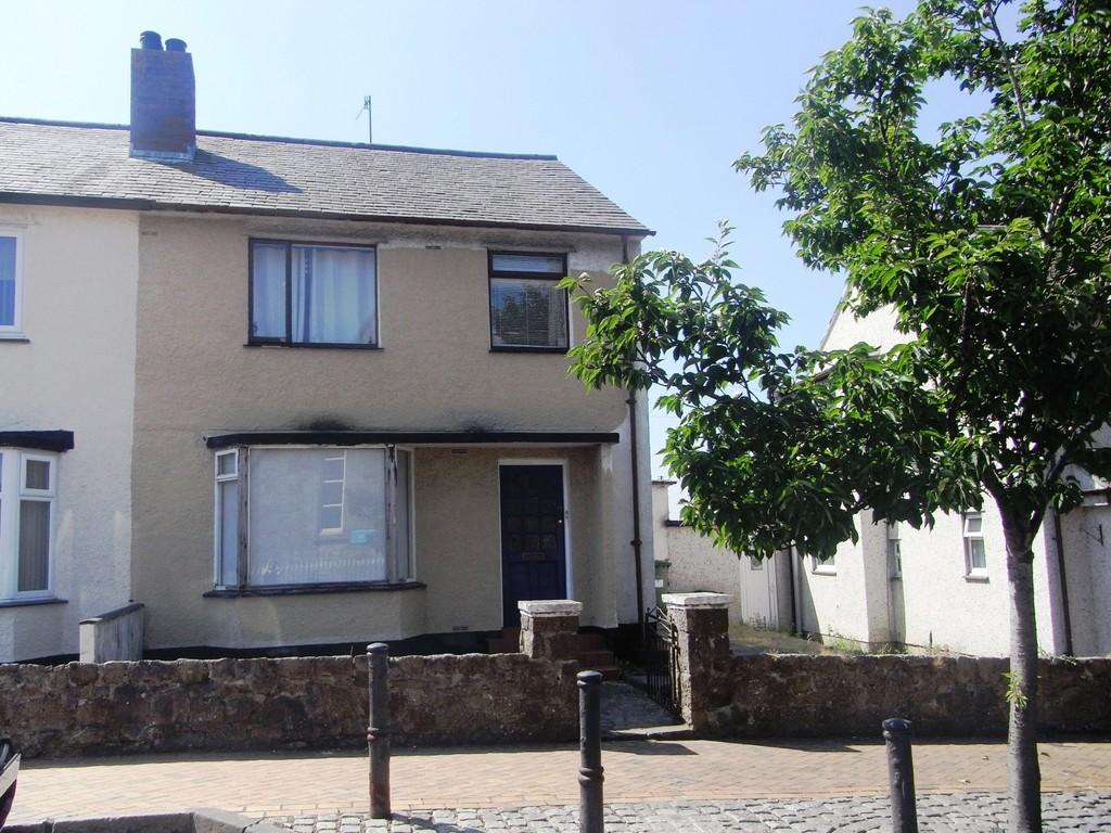 3 Bedrooms Semi Detached House for sale in Llangefni, Isle of Anglesey