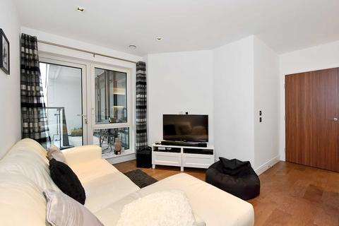 2 bedroom flat for sale - Belgravia House, Dickens Yard, London