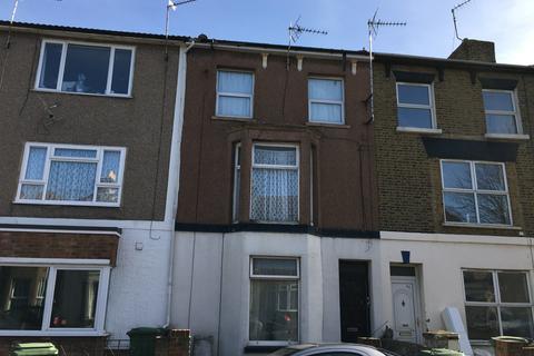 1 bedroom flat to rent - Alma Road, Sheerness, Kent ME12