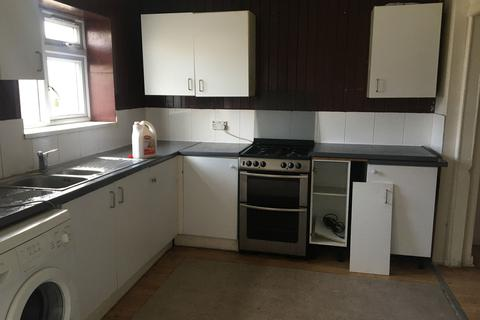 4 bedroom end of terrace house to rent - Marston Avenue, Dagenham, Essex, RM10
