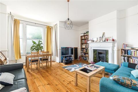 2 bedroom flat for sale - Cavendish Road, Clapham, London, SW12