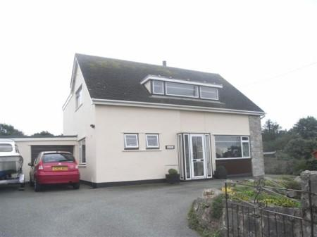 5 Bedrooms Detached House for sale in Cemaes Bay, Anglesey, North Wales