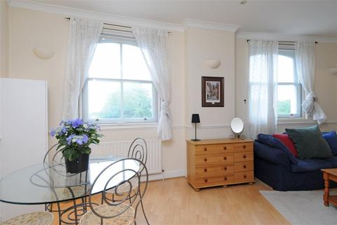 1 bedroom flat to rent - The Roundhouse, North Side Wandsworth Common, SW18