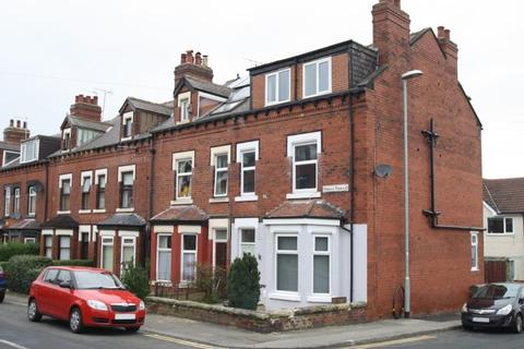 1 bedroom house share to rent - Norman Terrace, Roundhay Leeds, LS8 2AP
