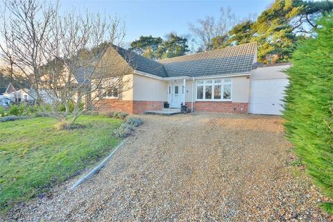 3 bedroom detached house for sale - Wren Crescent, Coy Pond, Poole