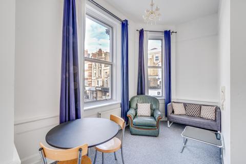 1 bedroom flat to rent - Castletown Road, West Kensington, London, W14