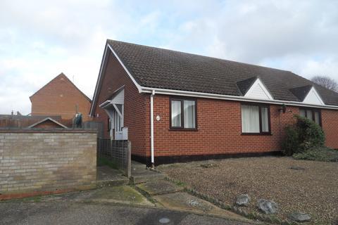 2 bedroom semi-detached bungalow to rent - Coleridge Road, Diss