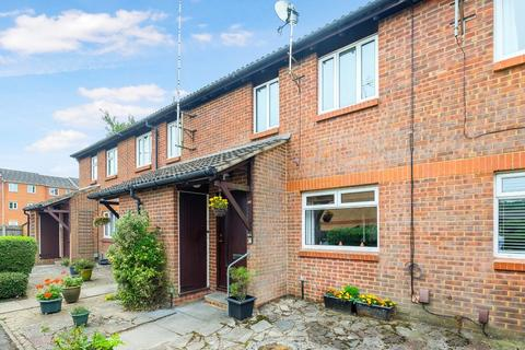 1 bedroom flat - Taylor Close, Orpington