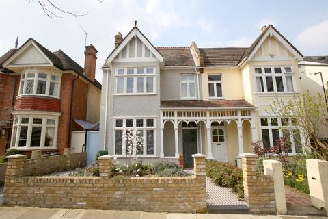 6 bedroom semi-detached house for sale - East Sheen Avenue, London