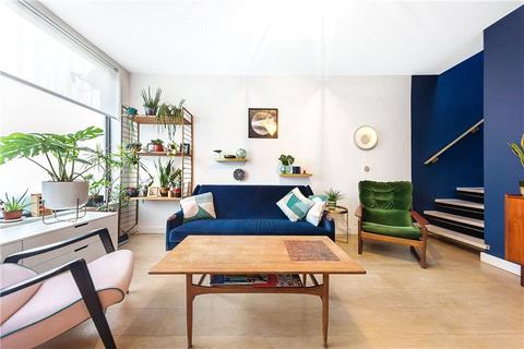 3 bedroom terraced house for sale - Southampton Way, Camberwell, London, SE5