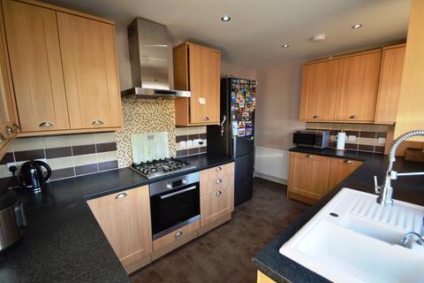 3 bedroom semi-detached house to rent -  Winchelsea Avenue,  Bexleyheath, DA7