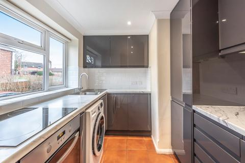 2 bedroom flat to rent - Larch Close, Oxford, OX2