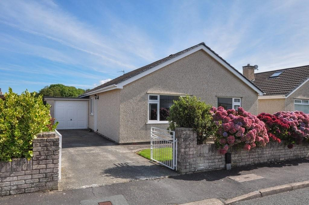 3 Bedrooms Detached Bungalow for sale in Y Wern, Llanfairpwll, North Wales