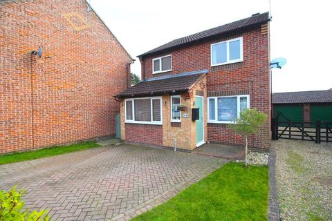 3 bedroom detached house for sale - Southfield Close, Driffield