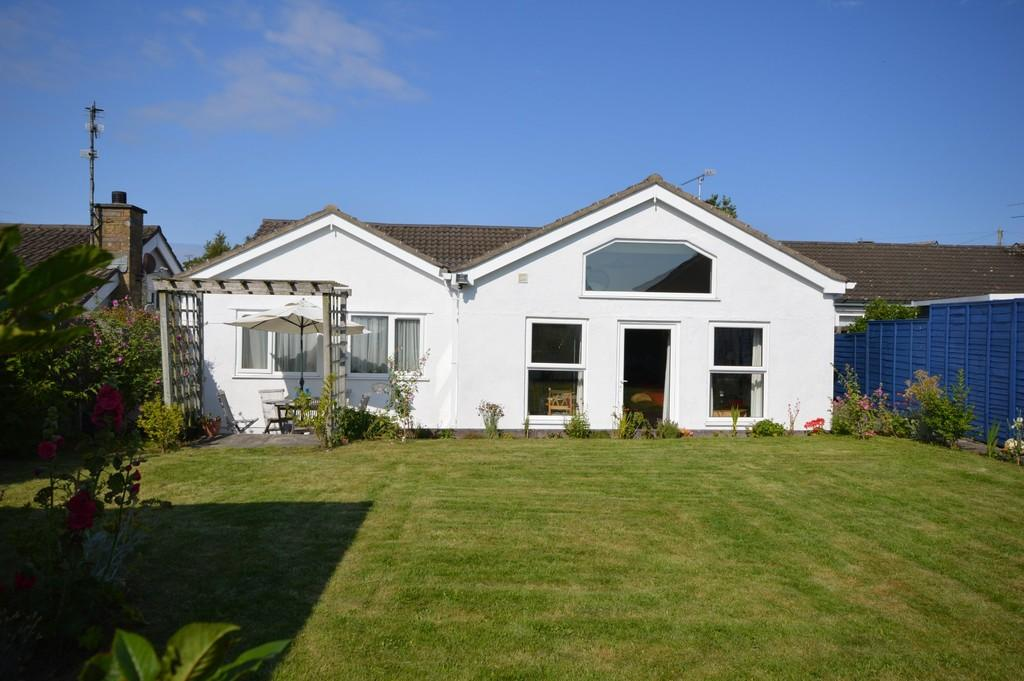 4 Bedrooms Detached Bungalow for sale in Lon Y Wylan, Llanfairpwll, North Wales