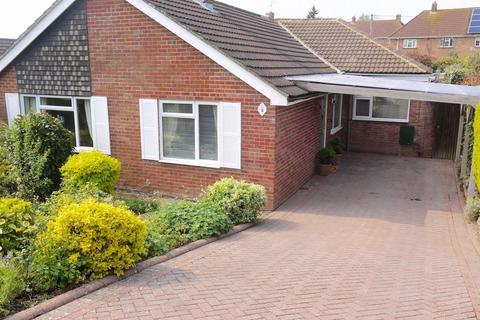 4 bedroom detached bungalow to rent - Highlands, Devizes