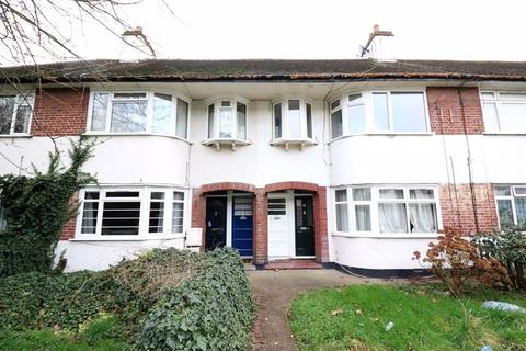3 bedroom apartment to rent - Kingsley Gardens, London