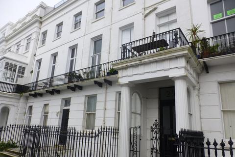 1 bedroom flat to rent - Sussex Square, Brighton, BN2 5AB