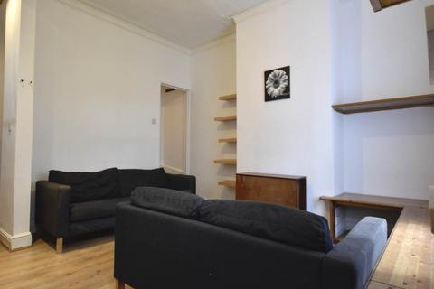 2 bedroom house to rent - Dirkhill Street, Great Horton, Bradford