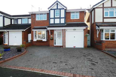 4 bedroom detached house for sale - Knightsbridge Way, Stretton, Burton-On-Trent
