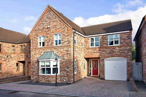4 bedroom detached house for sale - Angel Croft, Burntwood, WS7