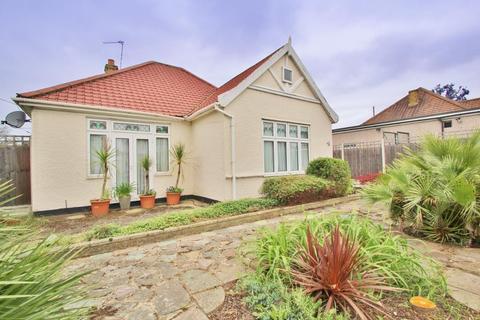 3 bedroom detached bungalow for sale - Pickford Lane, Bexleyheath