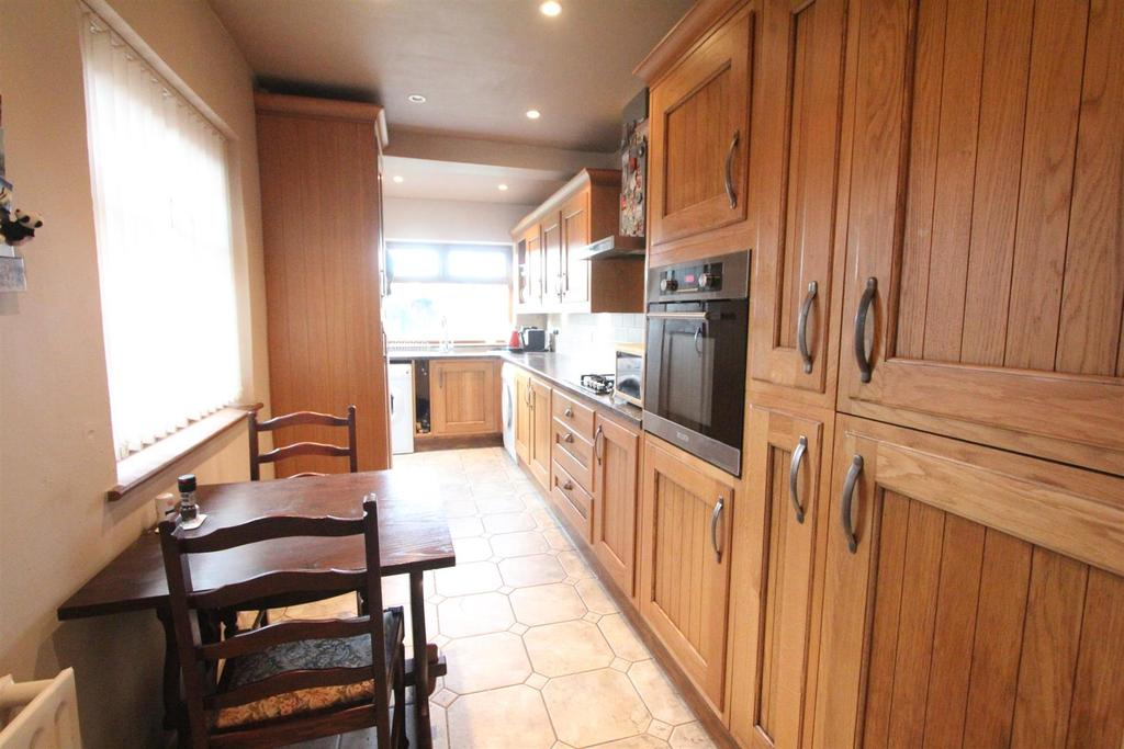 Fitted breakfast kitchen to rear