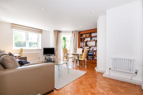 2 bedroom flat for sale - Belvedere Court, Upper Richmond Road, Putney