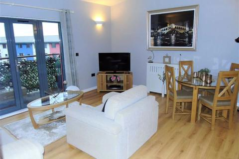 2 bedroom apartment for sale - St Margarets Court, Marina, Swansea