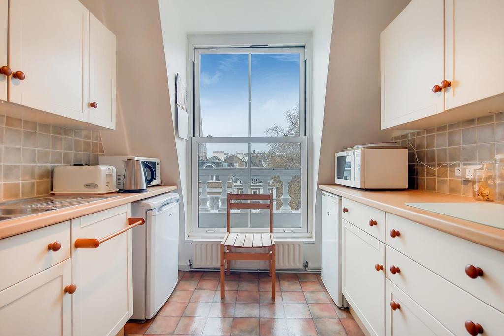 1 Kitchen 0.jpg