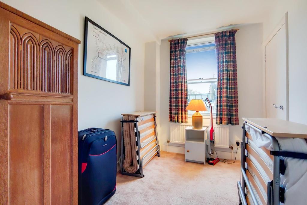 2 Bedroom 2 0.jpg
