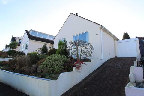 2 bedroom detached bungalow for sale - Deer Park, Saltash, PL12 6HE