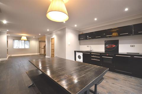 2 bedroom semi-detached house to rent - Gibbs Square, LONDON, SE19