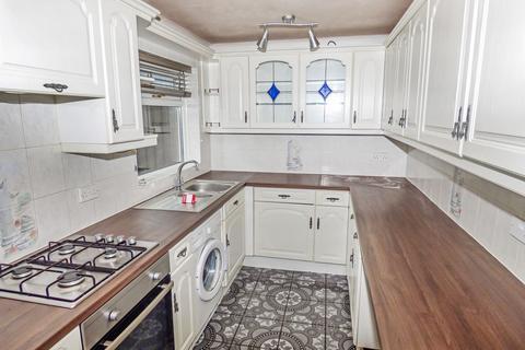 3 bedroom terraced house to rent - Cleeve Court, Washington, Tyne and Wear, NE38 7QB