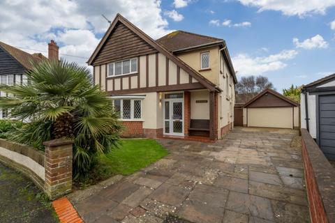 4 bedroom detached house for sale - Wessex Avenue, Aldwick, Bognor Regis, West Sussex. PO21 2QW