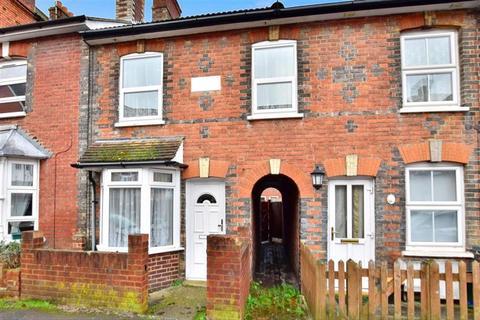 2 bedroom terraced house for sale - Alexandra Road, Tonbridge, Kent